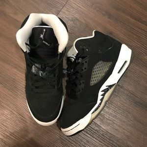 Shoes - ahthentic air jordan 5 black and white oreo